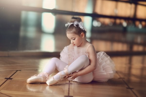 depositphotos_63289561-stock-photo-little-ballerina